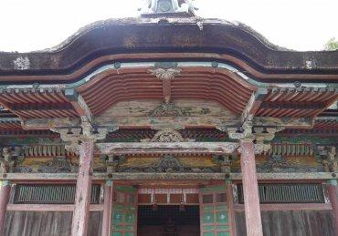 聖神社本殿 向拝 修理前
