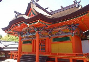 聖神社本殿正面修理後